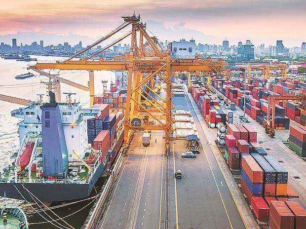 Cargo volume at Major Ports dips 20% in April-June Quarter