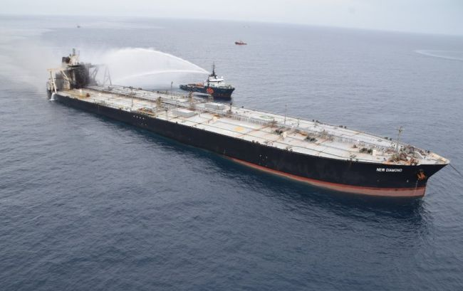 Bunker Spill Reported From VLCC, As MT New Diamond's Rear-Portion Sinks By 3 Feet After Reignition Of Fire