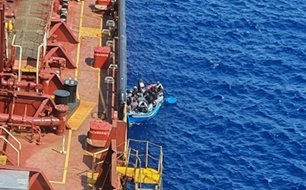 Maersk Etienne crisis escalates as three migrants jump ship