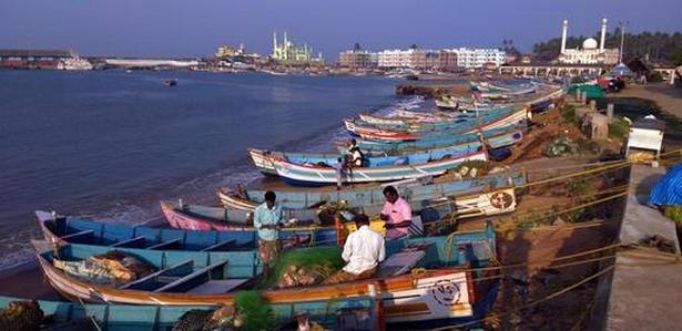 Crew change at Vizhinjam marred by a ship agent's attempt to block rivals from taking up work
