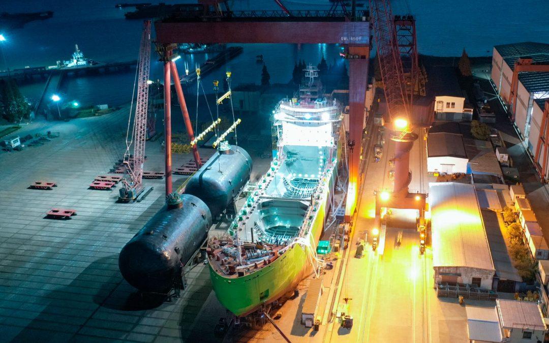 Key Equipment Installed On Gazprom Neft's Future Lng Bunker