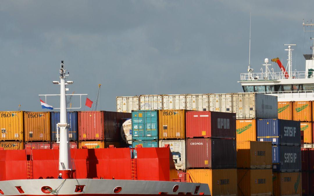 Seaspan Orders Five 12,200 TEU Boxships