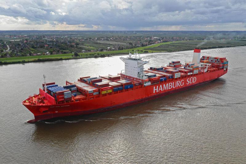 Hamburg Sud Containership Damages Hull In Dock Scrape